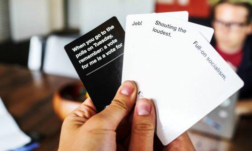Cards Against Humanity wordt nog leuker dankzij deze anti-Trump uitbreidingen