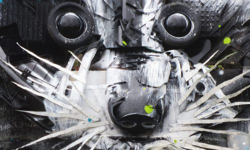Kunstenaar maakt prachtige werken van afval